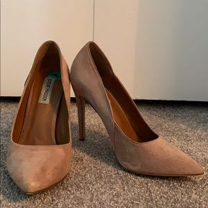 Pointed Toe Heel